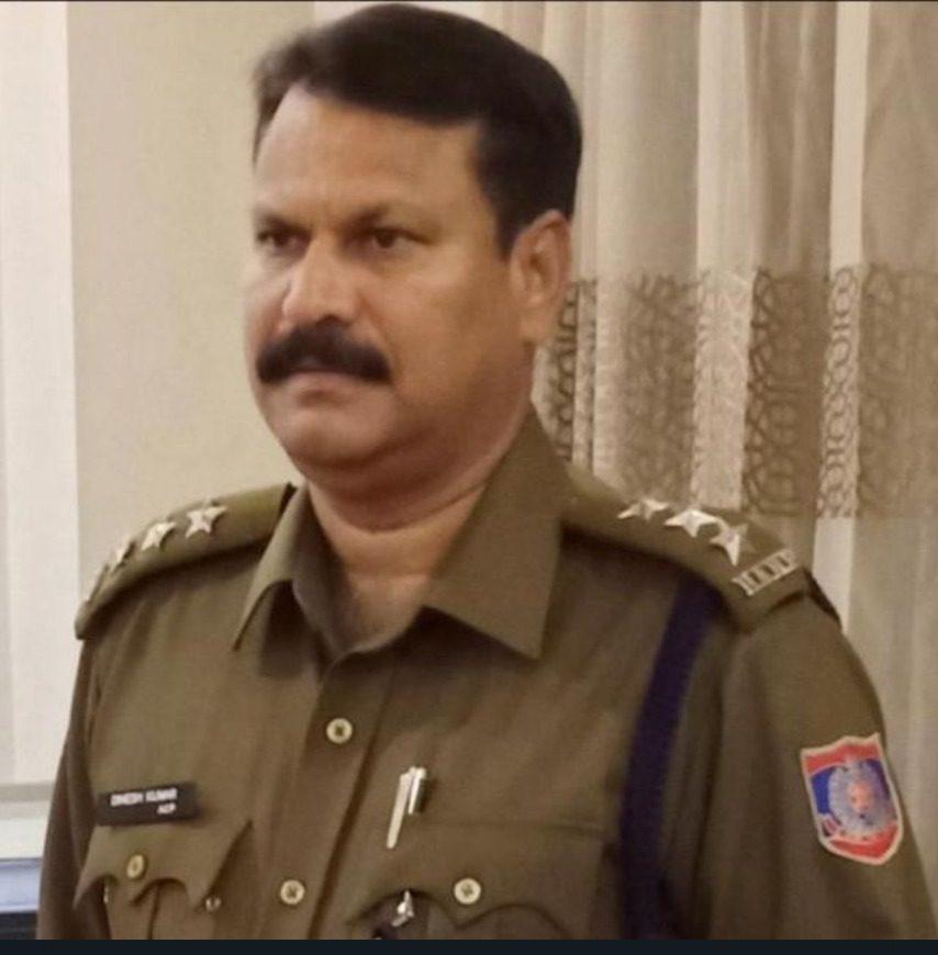 एसीपी दिनेश कुमार के निर्देश और पर्यवेक्षण में SHO अजय करण शर्मा ने नीरज बंगा को ऑक्सीजन सिलेंडर होर्डिंग और कालाबाजारी करने के आरोप में किया गिरफ्तार