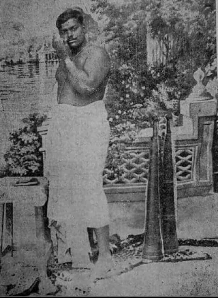शहीद चन्द्रशेखर आजाद गुलाम देश में वह आज़ाद था, आज़ाद जाती व्यस्था के विरोधी थे, इसलिए उन्होंने कभी अपने आप को जाति से सम्बोधित नहीं किया